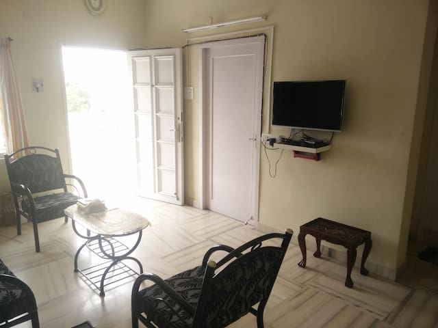 Air Condtioned Room+Kitchen+Living+Terrace