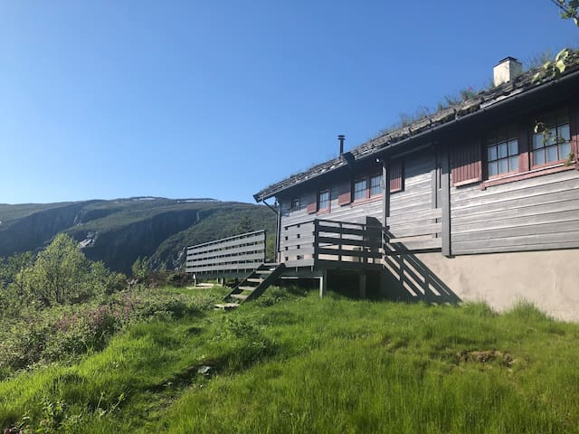 2 holiday cabins for rent close to Vøringsfossen