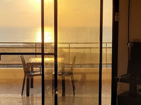 lepe 3 spalnice 2,5 kopalnice s čudovitim mediteranskim pogledom za najem. se nahaja 5 minut hoje do več plaž, 10 minut vožnje do osrednjih okrožjih Bejrut, 15 minut vožnje do Saida osrednjih okrožjih, čez avtocesto od Alforno.