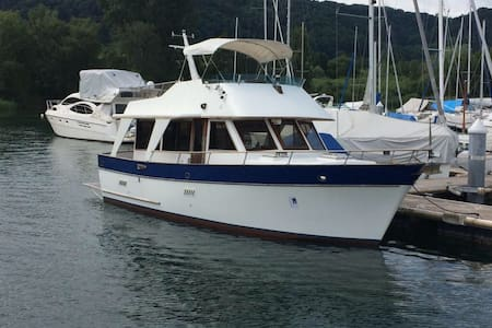 Boat and Breakfast - Cheyres - Bed & Breakfast