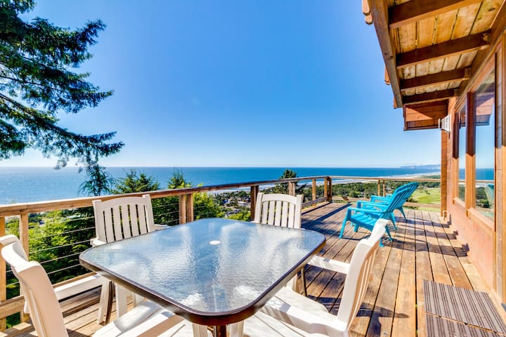 Amazing, dog-friendly cabin with exceptional ocean views and entertainment