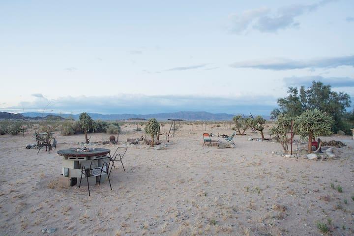 Rancho de Ardilla (near JT Nat Park)