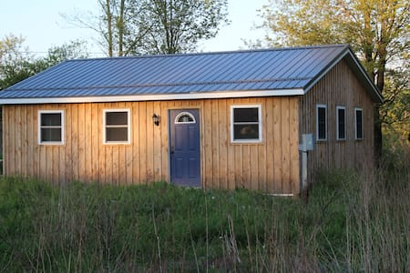 2 bedroom cottage between Edinboro and Meadville - Venango - 小屋