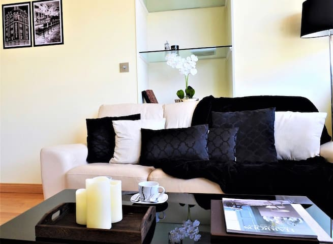Unique 2 Bed Apartment Only 2min from Hyde Park