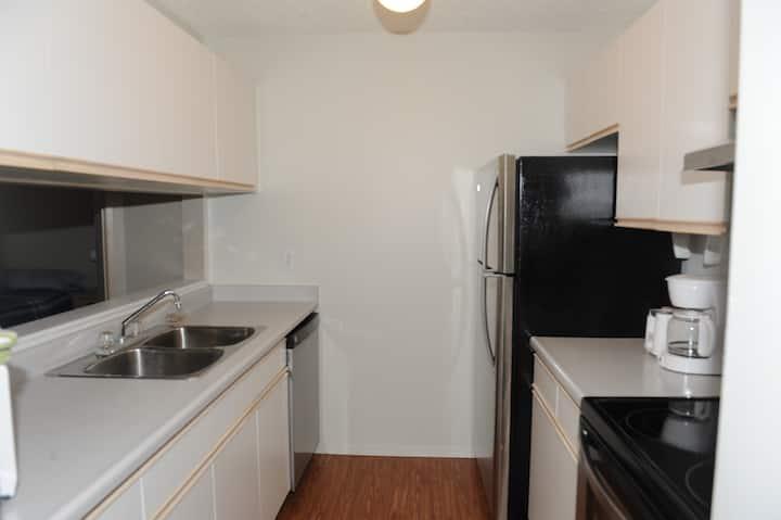 2 Bedroom, Central Condo, 2 Full Baths & Parking