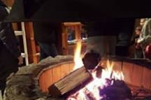 2 fireplaces in the cabin offer a cozy warm setting, perfect for roasting hot dogs and marshmallows.