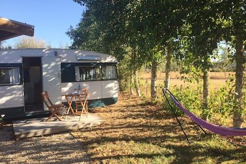 Quiet Rural Caravan Retreat with a view