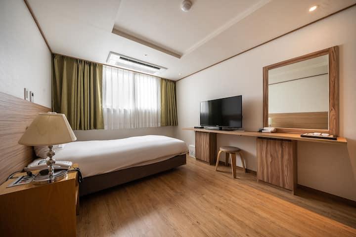 호텔 휴식, 서귀포 싱글룸(1인실) 1(세탁기포함)