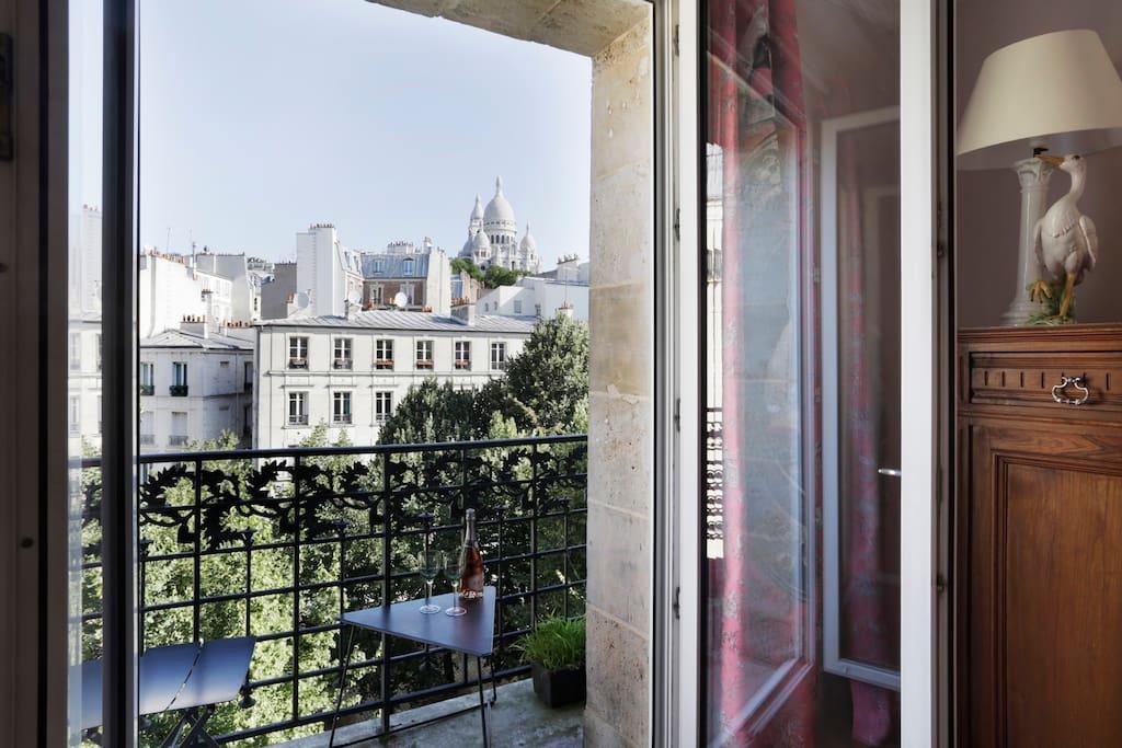 montmartre amazing view wohnungen zur miete in paris. Black Bedroom Furniture Sets. Home Design Ideas