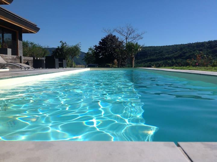 Gîte 12 pers avec piscine chauffée près d'Annecy