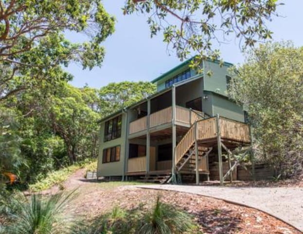 Straddie Beach House - Point Lookout - Σπίτι