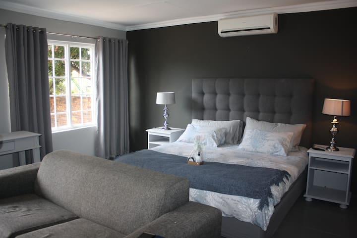 Room 1 - Arum Lily Guest Rooms Pretoria East
