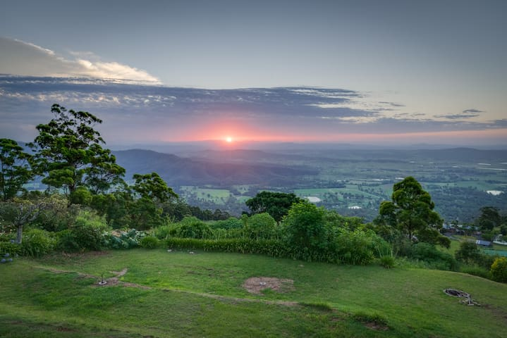 Rendez-vous on Tamborine Luxury Accommodation - Tamborine Mountain - House