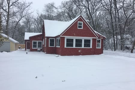 The Cabin at Delavan Lake - Delavan - Casa