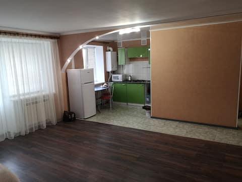 Уютная студия 48 кв.м возле центра Луганска