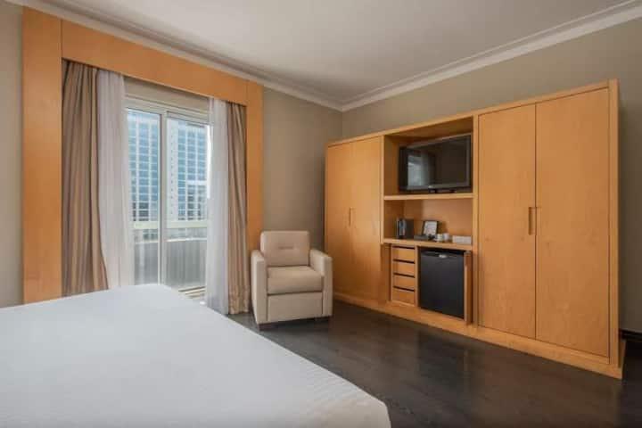 Maximus Luxury in Hotel Intercity III