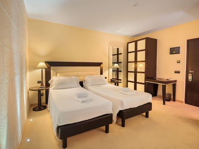 Habitación con encanto y baño privado en Mahón