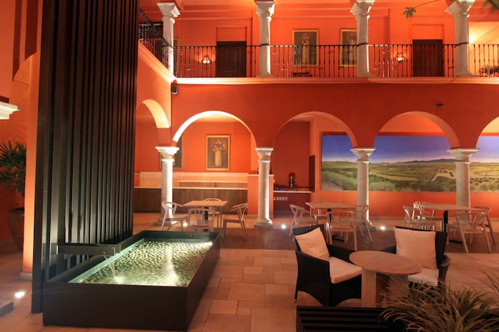 CASONA OAXACA. In the heart of the DOWNTOWN