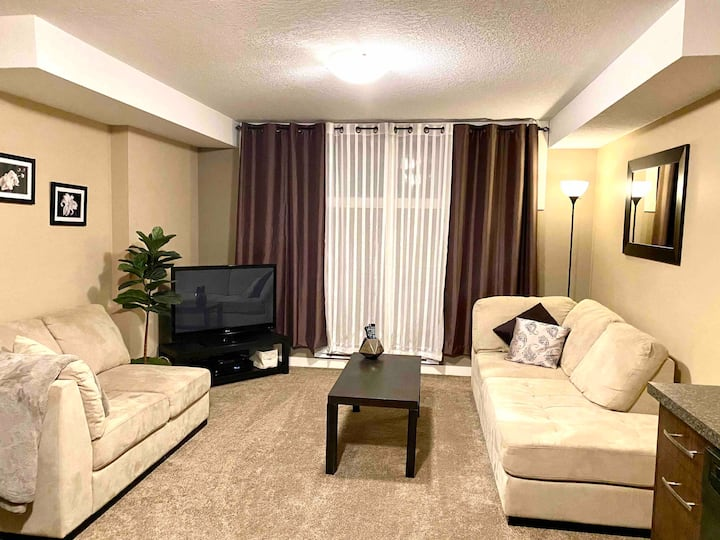 Private 2BDRM Executive Suite in Newer Home