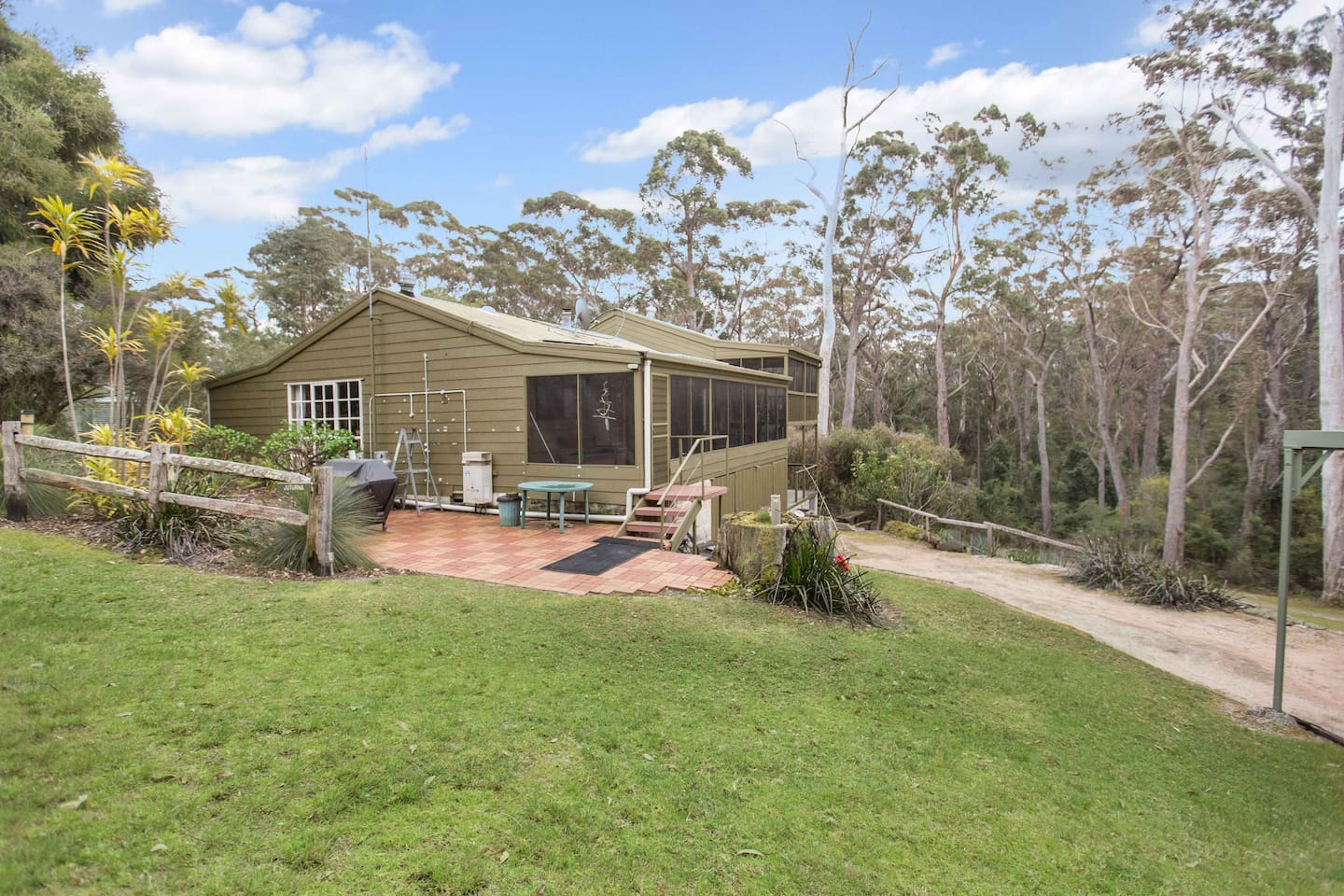 Wilderness retreat - with tranquil views surrounded by peaceful bushland and only a stroll from the lake waters.