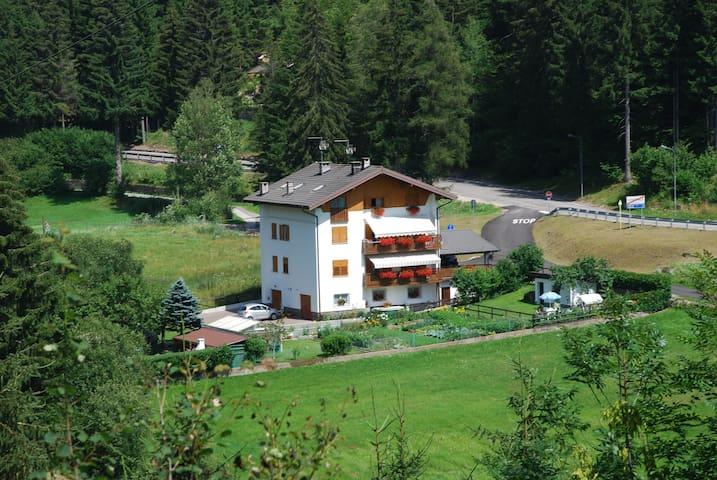 Oasi di relax fra i laghi alpini di Pinè, Trentino - Centrale - อพาร์ทเมนท์
