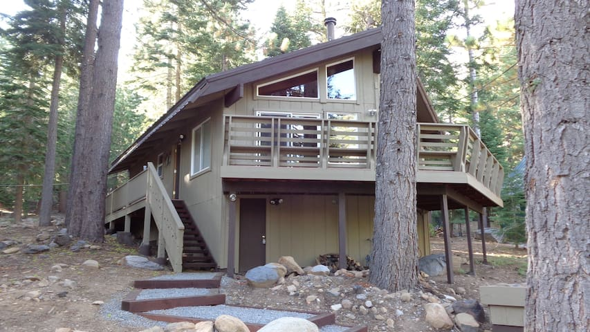 A relaxing fun chalet in Tahoe Donner.