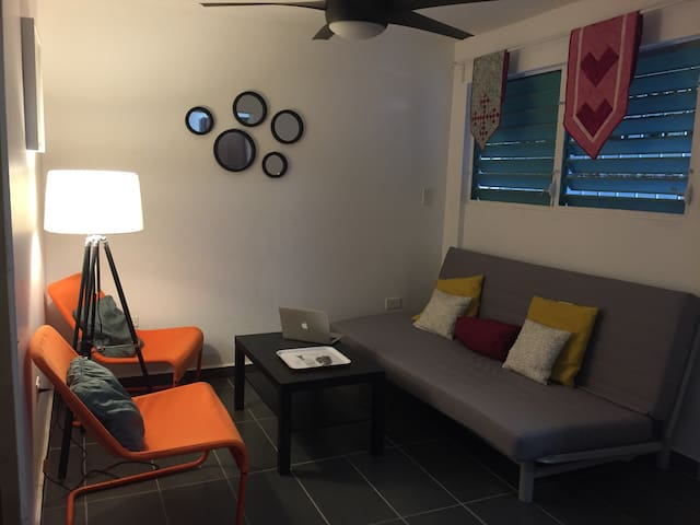 1BR Isla Verde Condado By Beach Free Parking WIFI - Sant Joan - Pis