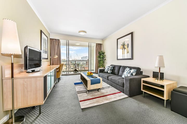 Perfectly Positioned Apartment in Darling Harbour