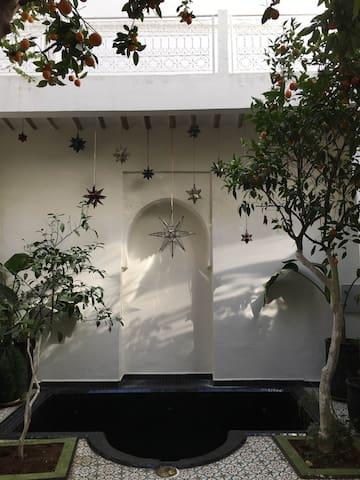 """Bab EL ILL  chambre  """" Dans l'arbre """" - Marrakesh - Hus"""