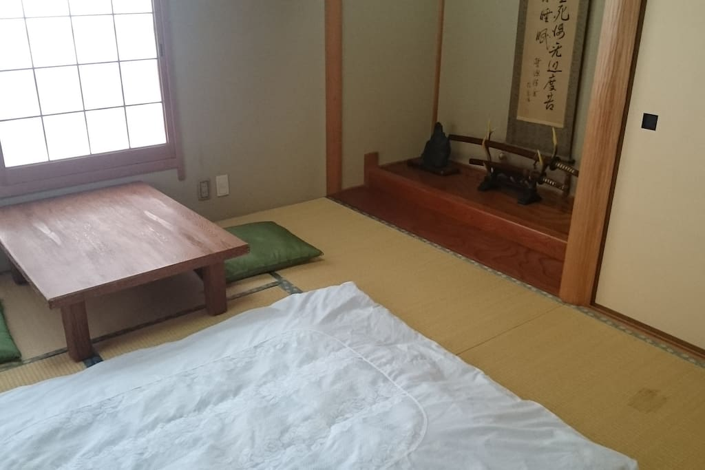 Japanere Room  3 People rooms in a Japanese style room, 8 tatami mats, bedding is furnished with futon bedding.