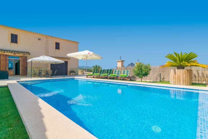 CAN PONT - Villa with private pool in Manacor.