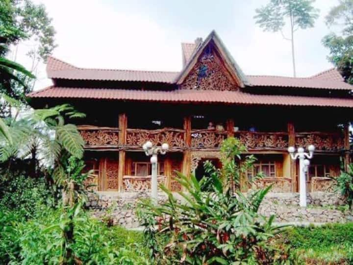 Habitaciones con Piscina en Hostería Hachacaspi.