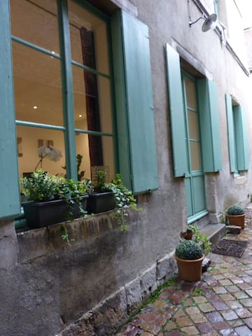 Charming apartment in the historic center of Caen