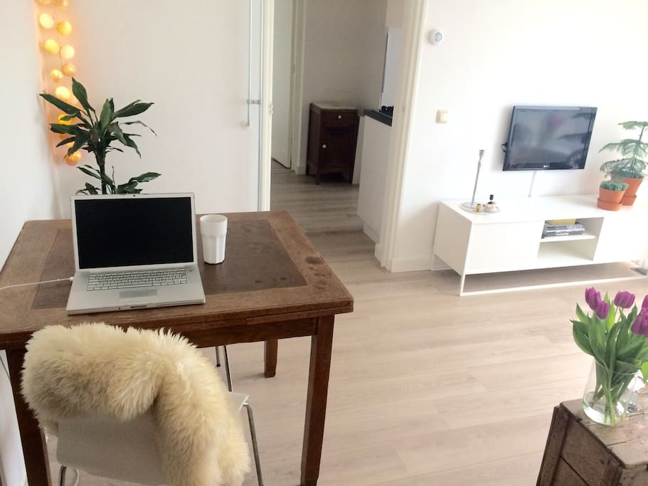 Livingroom with good WiFi connection