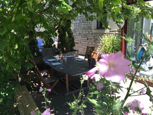 Grande maison avec piscine - Betoncourt-lès-Brotte - Dom