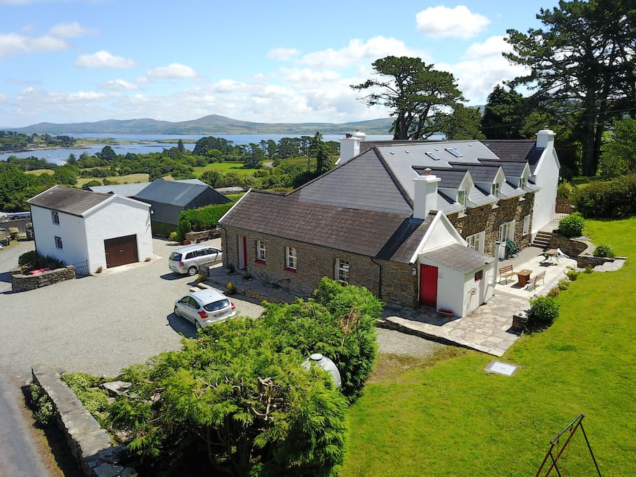 Hillcrest Farmhouse - West & North Wing - overlooking Dunmanus Bay