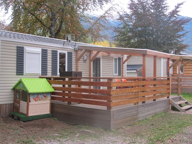 Mobil Home grand confort 6 pers dans camping 3* - Samoëns - Bungalo