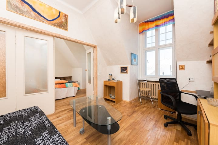 Artistic cosy home inside historic Old Town