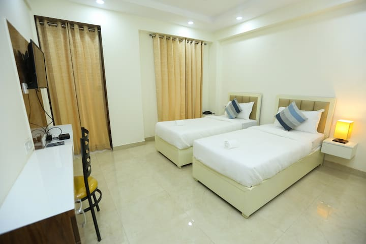 Zest Twin Sharing Service Apartment@ Sector 39