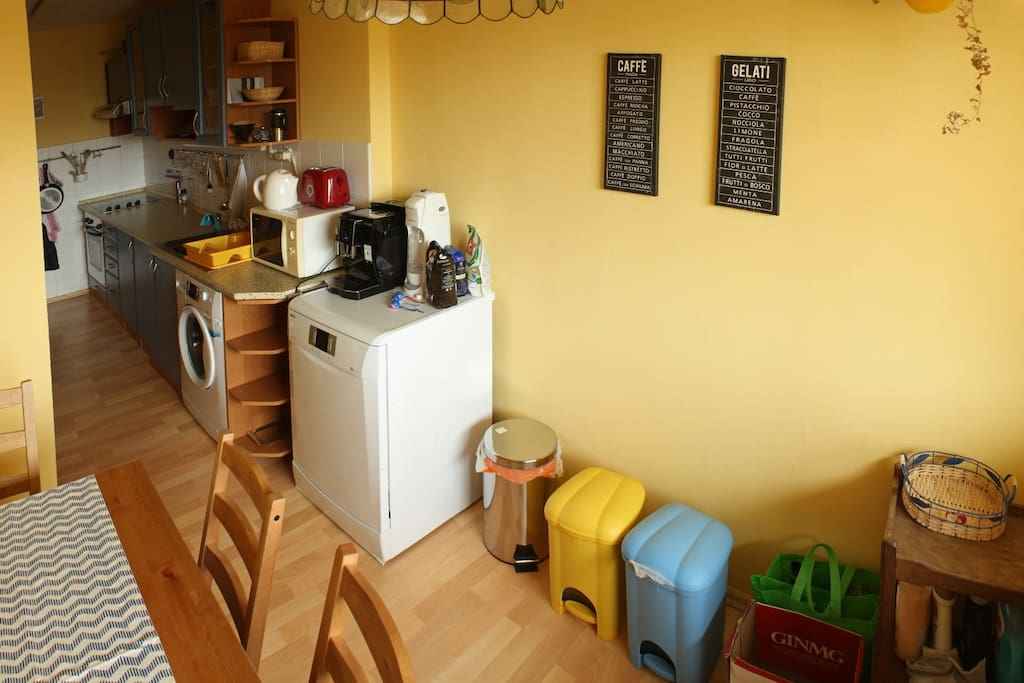 Fully equipped kitchen for a nice dining experience