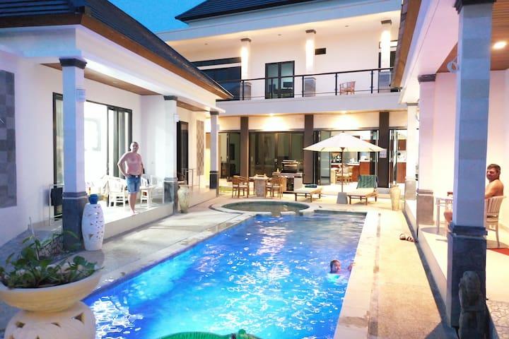 """30% off > July"" Villa Viking Bungalow Loke"