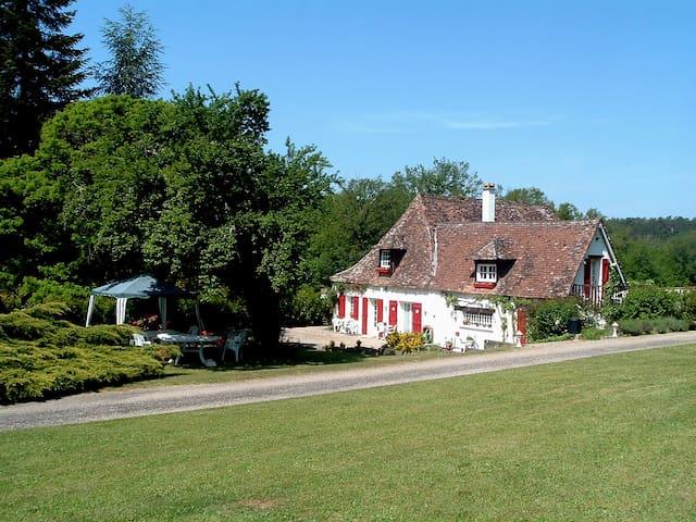 LE CLOS DES ARCHERS 4 / BERGERAC - 3 PERSONNES - Laveyssière - Guesthouse