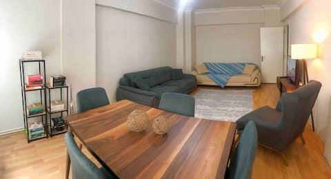Home, Room, Evlence