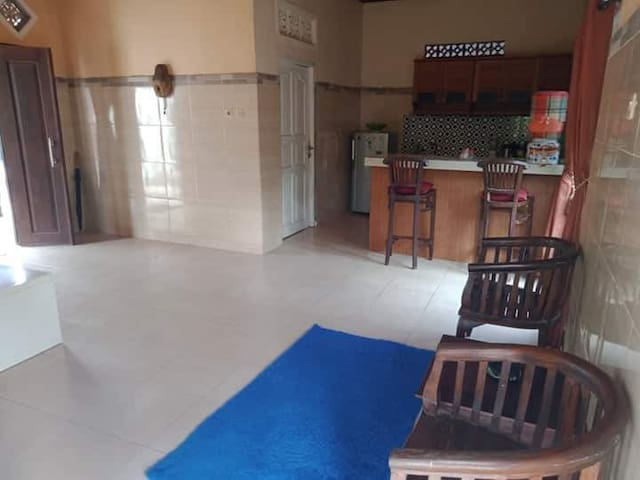 Spacious 1 bed room + office in ubud
