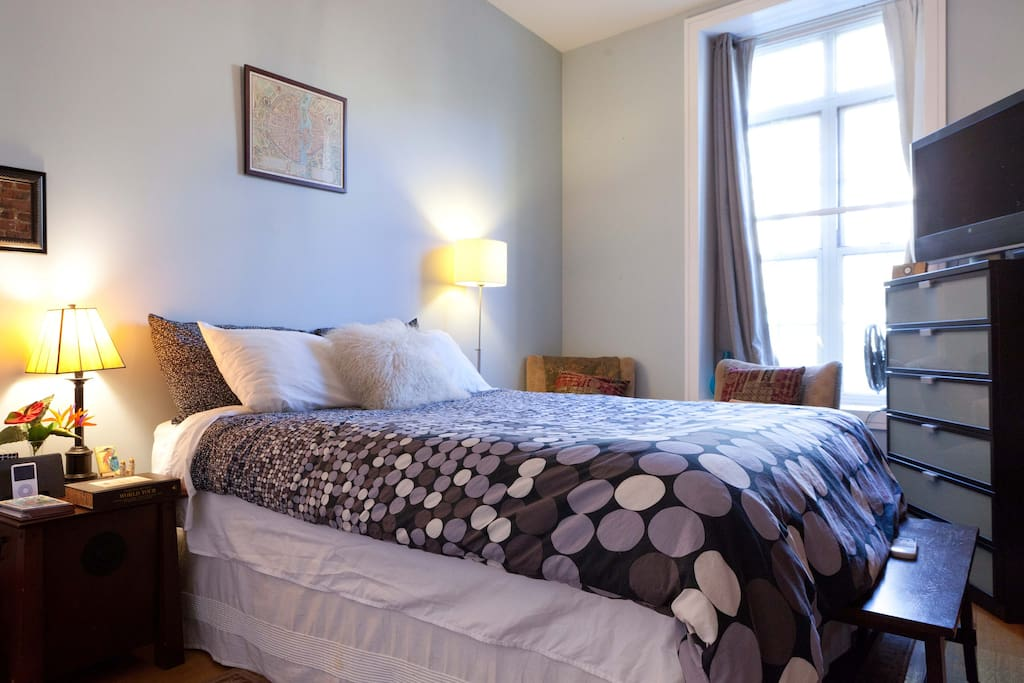 Bright airy private room shared bath w harlem for Rooms for rent in nyc with private bathroom