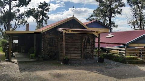 Rustic Log Cabin, Yarra Valley....Kennedy's Folly