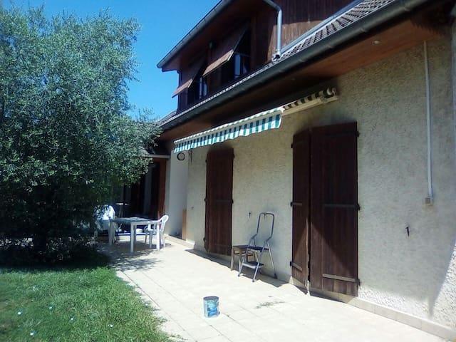 Maison calme proche Walibi et viarhona
