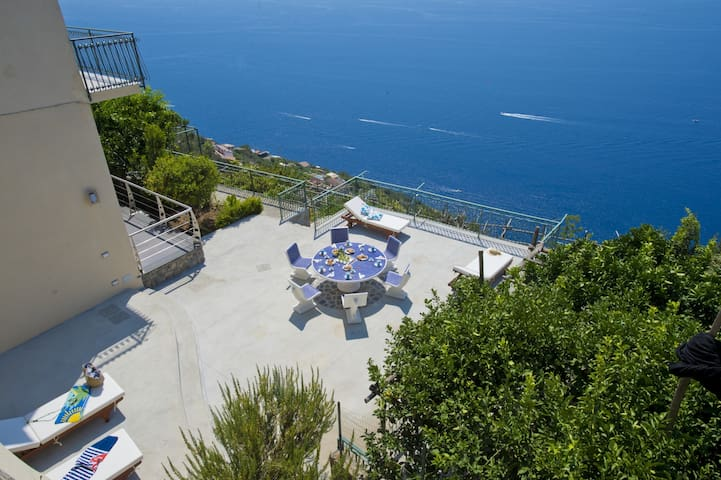 Casa Lisuccia, modern Furore Home, amazing views - Furore