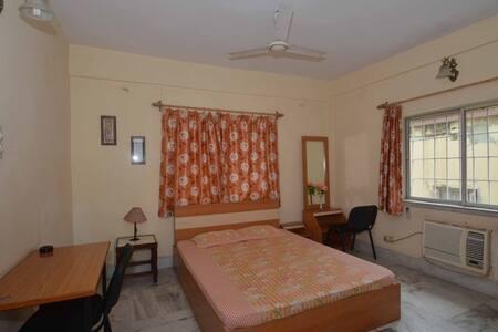 14 Square Kolkata - Ballygunge - Calcutta - Bed & Breakfast