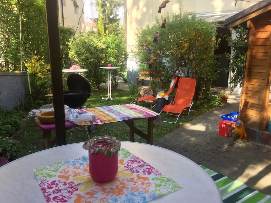 Charming Garden with flowers, herbes and vegetables to rest and enjoy